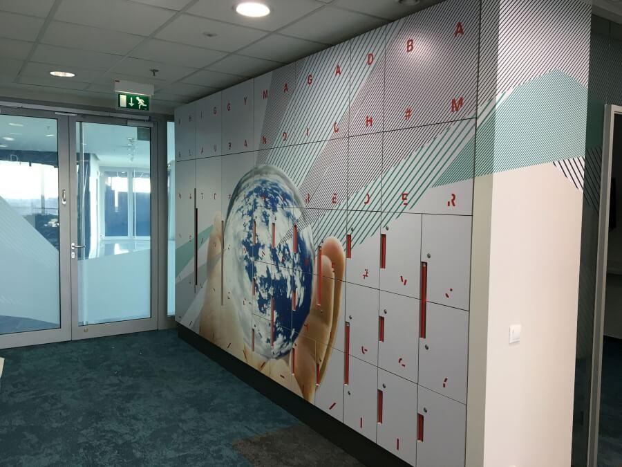 Irodabútor dekoráció - Erste Irodaház