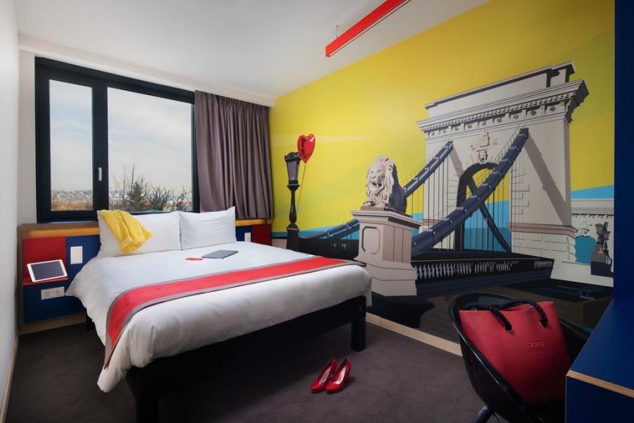 Falfólia - Hotel Ibis