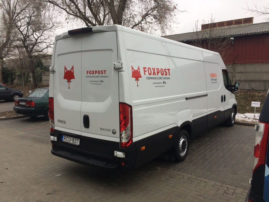 Autó matrica - Foxpost2