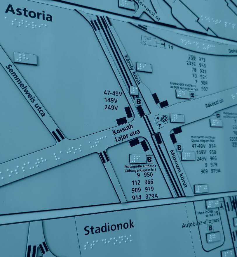 Taktilis térképek, braille feliratozott táblák