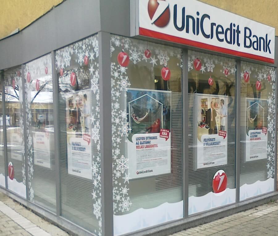 Ünnepi kirakat dekoráció - Unicredit Bank