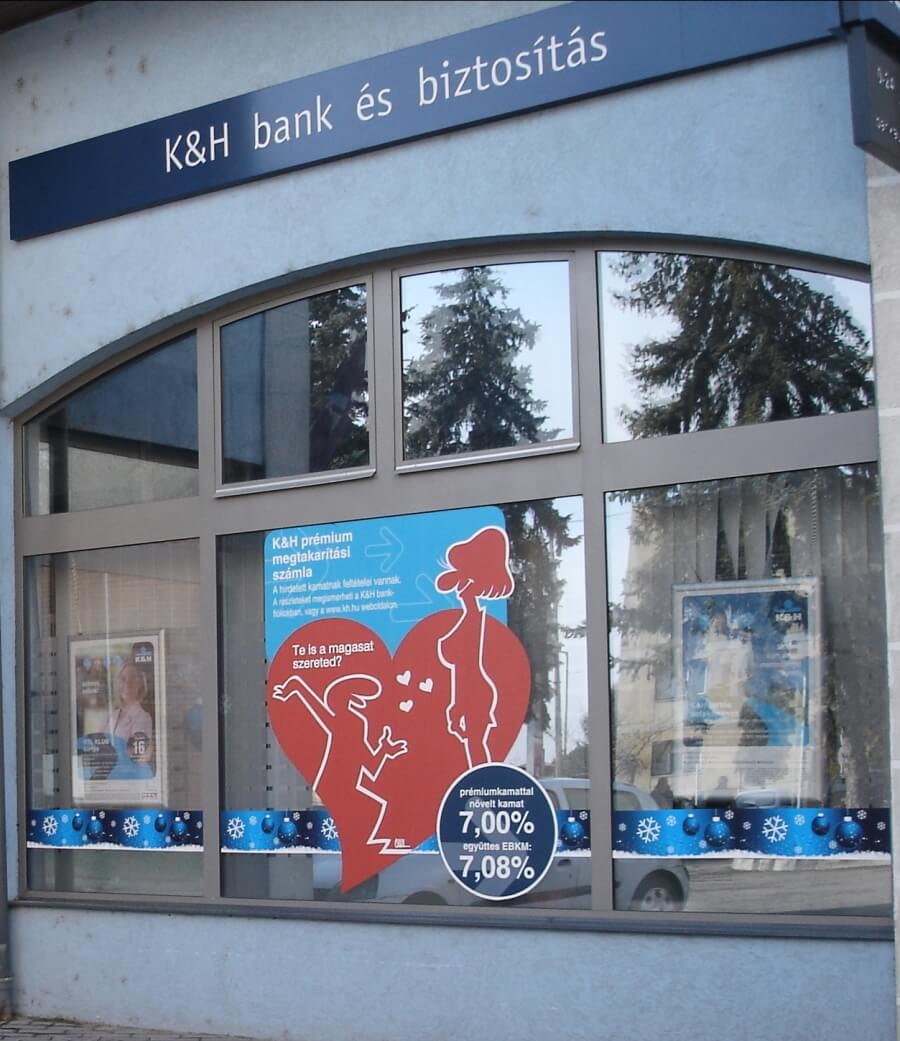 Karácsonyi kirakat matrica - K&H Bank