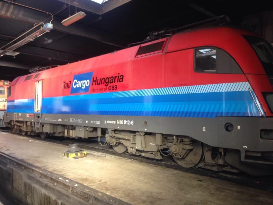 Rail Cargo mozdony fóliázás