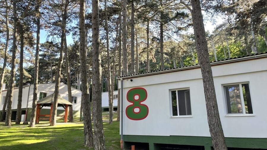 Homlokzati festést - Rákóczi Tábor és Rendezvényközpont - Tábori házak